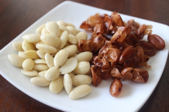 How to Blanch Almonds at Home